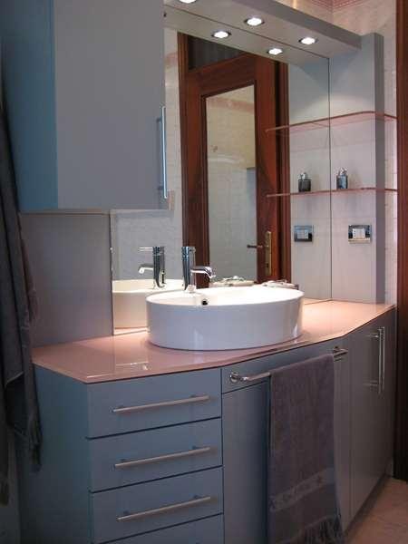 Arredo bagno in legno mobili bagno in legno librerie for Arredo bagno treviso e provincia